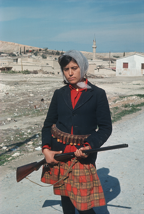 CY000458 Young Turkish Cypriot girl fighter